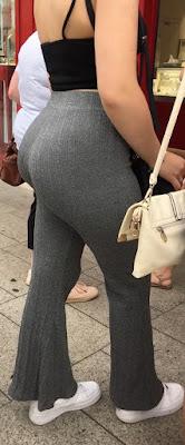 Video hermosa mujer pantalon apretado nalgas redondas