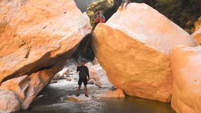 Wisata Air Panas Sungai Panite di TTS
