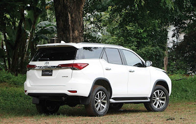 Harga dan spesifikasi Toyota All New Fortuner Diesel 2.4 VRZ 4x2 A/T September 2017