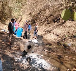 पुलिस की अवैध कच्ची शराब निर्माण के विरुध्द कार्यवाही जारी, 3500 लीटर महुआ लहान किया नष्ट