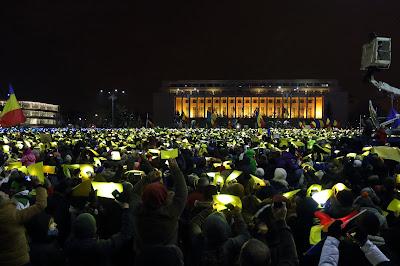 btk.-módosítás, Liviu Dragnea, tineriada, Románia, Grindeanu-kormány, OUG 13