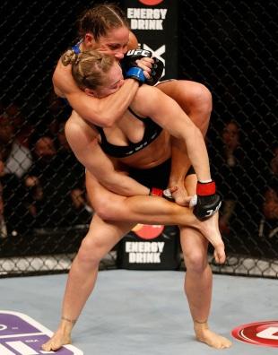 Celebrity Naked Mma Girl Fight Pics