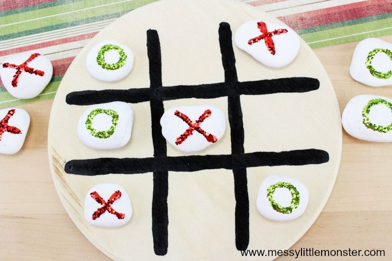 Tic tac toe Christmas activity for kids