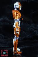 S.H. Figuarts Kamen Rider Valkyrie Rushing Cheetah 05