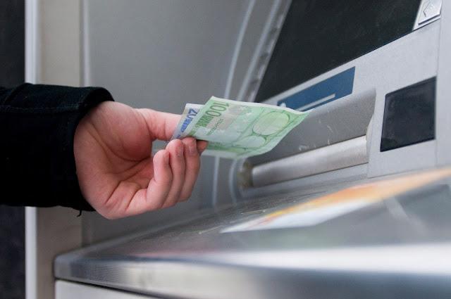 Κοινωνικό Μέρισμα: Τα χρήματα στους λογαριασμούς -Ποιοι όμως θα πρέπει να τα επιστρέψουν