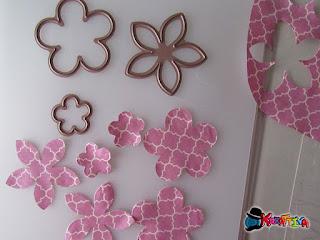 fiori di stoffa tagliati con fustella per tessuti