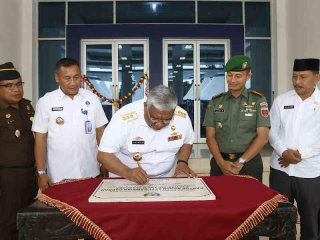 Ali Mazi Resmikan Gedung Baru Kantor Badan Kepegawaian Daerah (BKD) Sultra