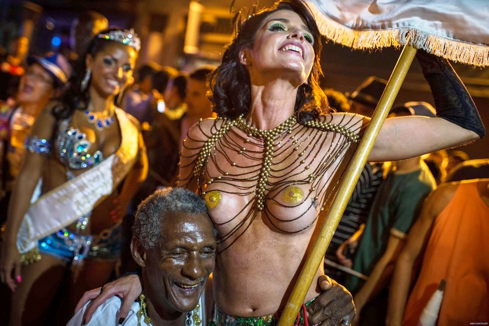 Topless dancers during a parade in Rio de Janeiro this February 27.