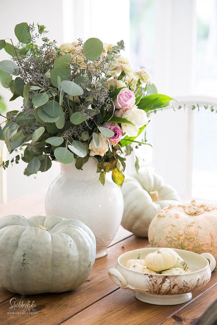 floral centerpiece for autumn