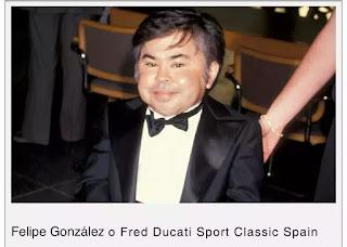 Persona parecida a Felipe González o fred ducati