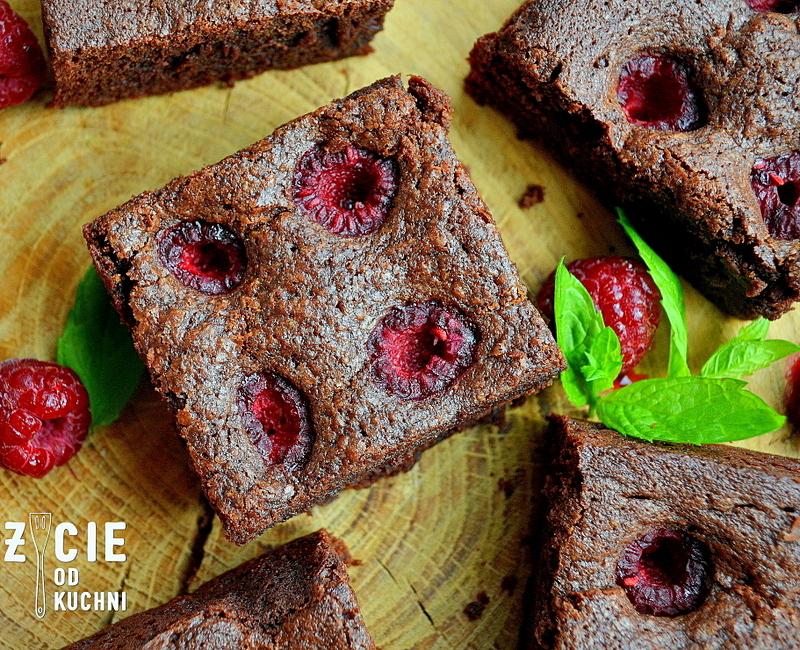 brownie z malinami, brownie, maliny,