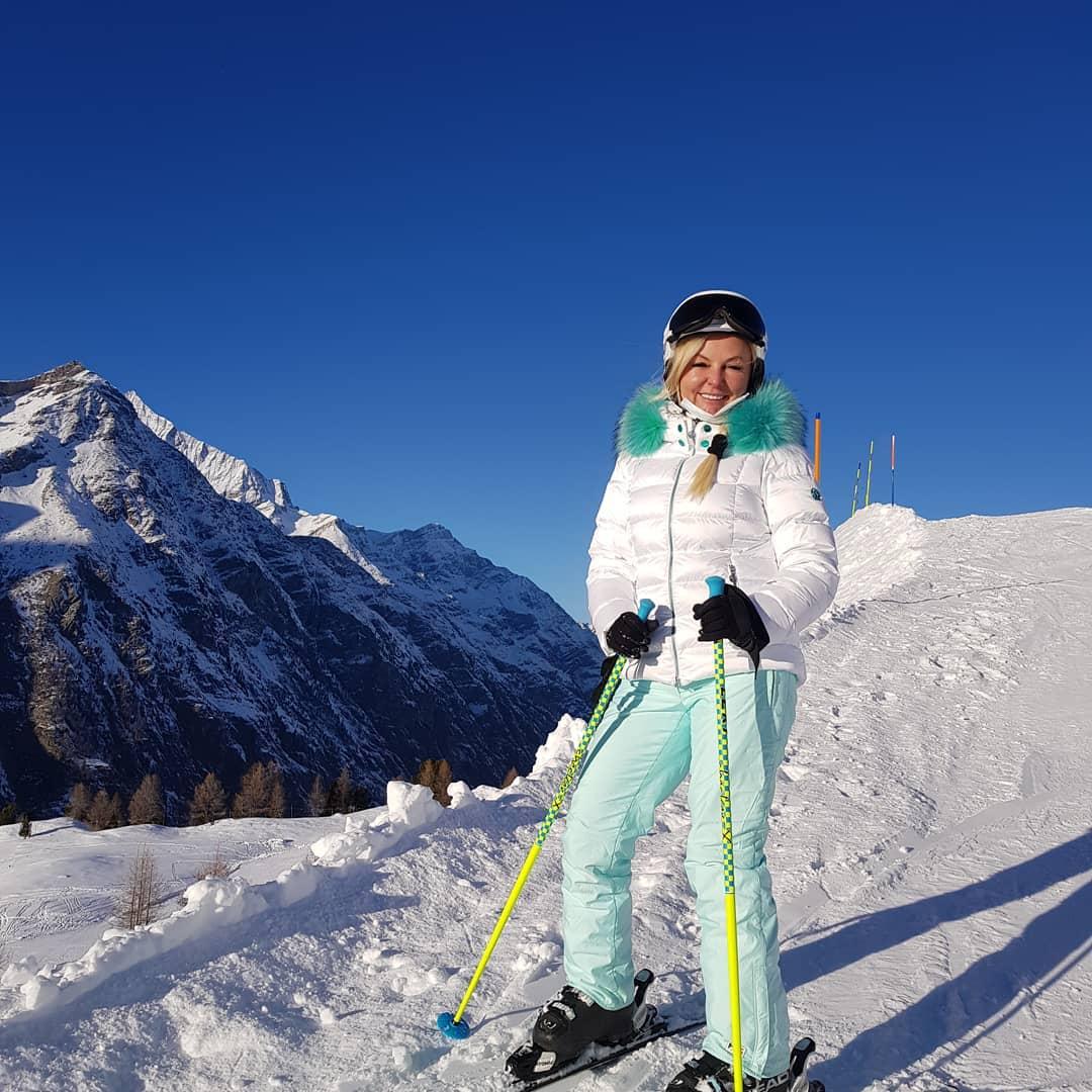 belajar bermain ski salju swiss