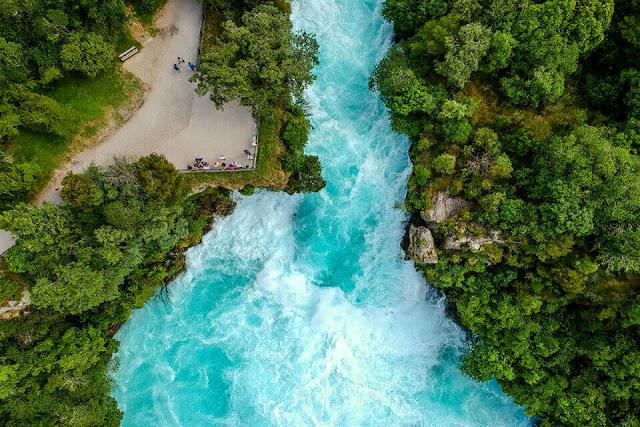 Ghé thăm Thác Huka bên cạnh hồ Taupo
