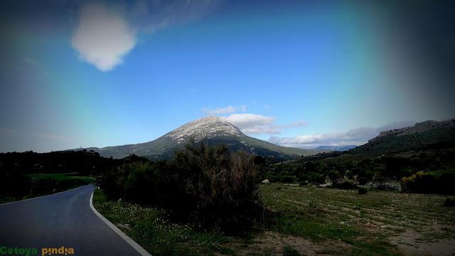 Ruta al Pico La Sagra desde el Área Recreativa de Las Santas