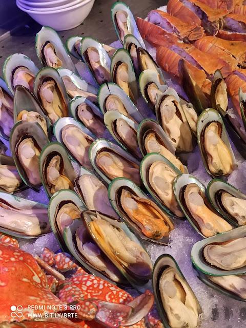 Kontiki Seafood BBQ Buffet Menu -Seafood on Ice - Mussels
