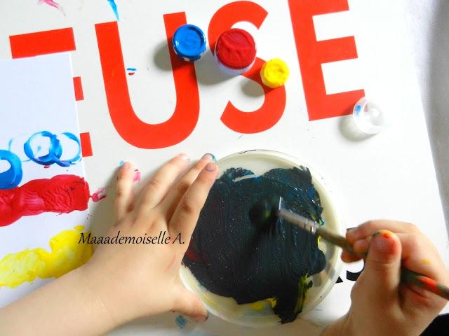 || Activité : Chenilles avec des bouchons de bouteilles