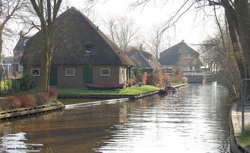 10 ngôi làng nổi trên khắp thế giới 2