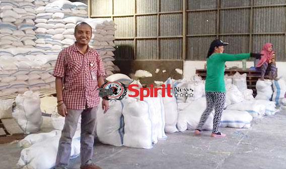 Bulog Subdivre Takalar, Suplai 3000 Ton Beras Keluar Provinsi