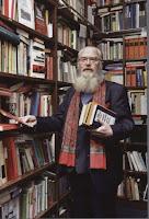 Prof. Dr. h.c. Gerd Biegel in seiner Bibliothek, Braunschweig, Leonhardtstraße.