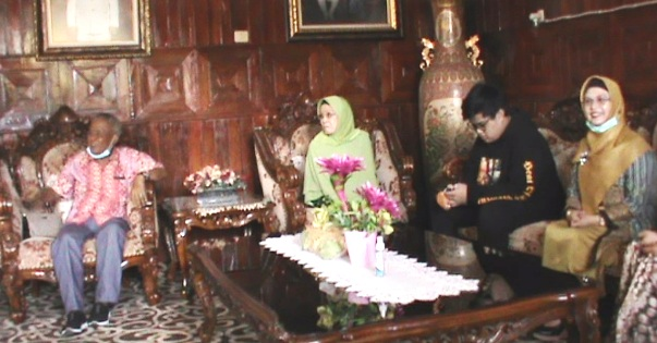 Maju Pilkada Tangsel, Putri Wapres Minta Restu Keluarga di Selayar