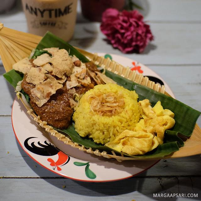 Nasi Kuning Pecel KUeDAPAN Pasar Modern Bintaro