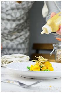 cómo preparar una rica ensalada- ensalada de aguacate y mango-vinagreta de mango- gulas crujientes- receta con gulas-