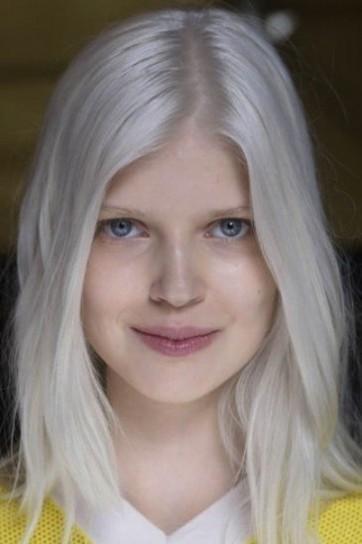 Soft Undercut Ombr Hair Painting Andrea LeFevre