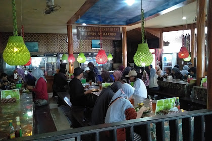Restoran di Batu Karas Pangandaran