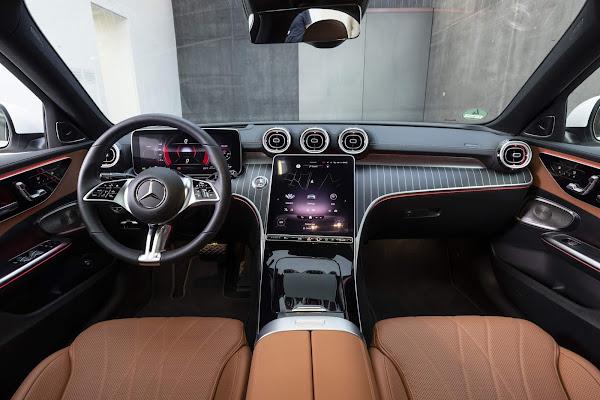 Novo Mercedes-Benz Classe C 200 2022 - interior