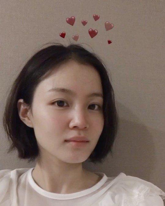 Lee Hi 7. yıldönümünü kutladı