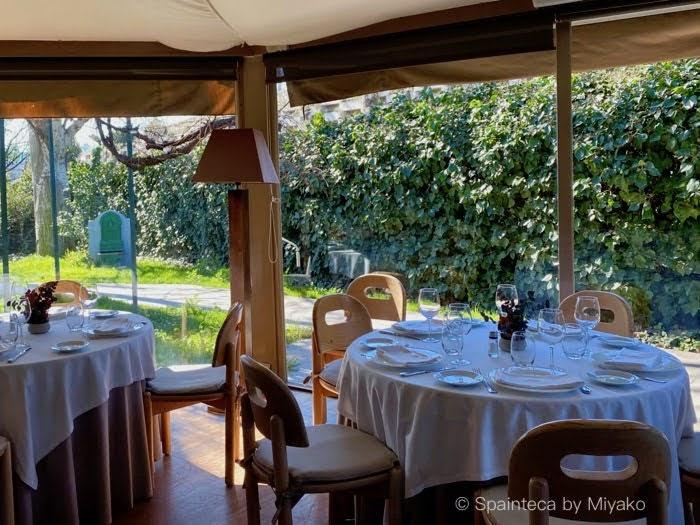 El Oso Madrid マドリードの緑に囲まれたアストゥリアス料理店エル・オソの店内