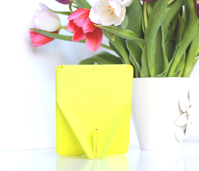 Amazon Kindle Voyage Origami Review Case Citron