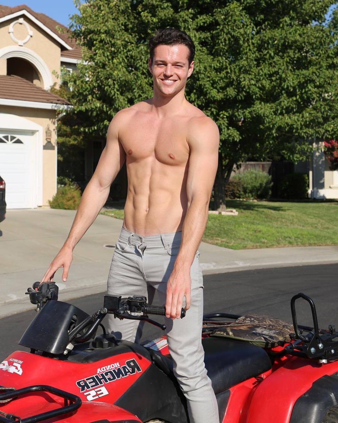 hot-shirtless-hunk-riding-rancher-motorcycle