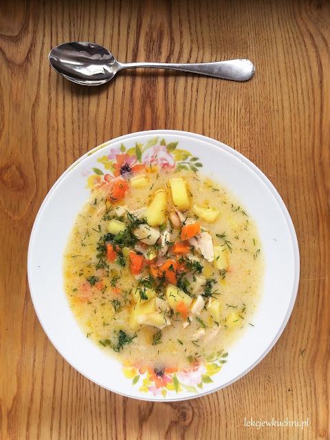 Zupa koperkowa z kurczakiem i fasolą przepis