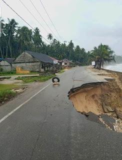 """Longsor, Akses Jalan Nasional Lahusa-Telukdalam """"Lumpuh"""""""