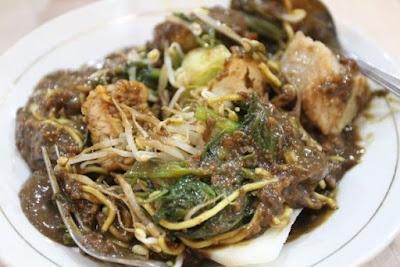 Tempat Makan Rujak Cingur Surabaya yang Legendaris
