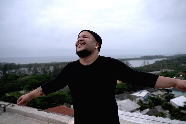Filipe Carmet canta mensagem esperança novo single