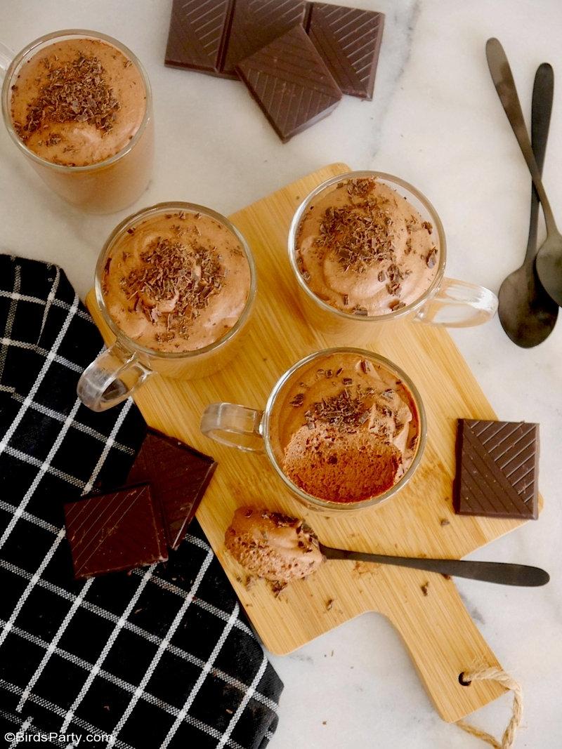 Mousse au chocolat végétalienne à l'Aquafaba - faite avec seulement 2 ingrédients, recette délicieuse de dessert léger mais gourmand! by BirdsParty.com @birdsparty