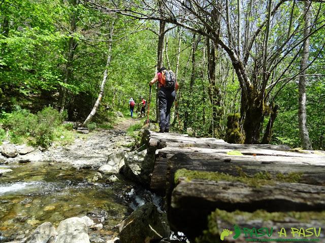 Ruta al Mustallar: Puente sobre arroyo