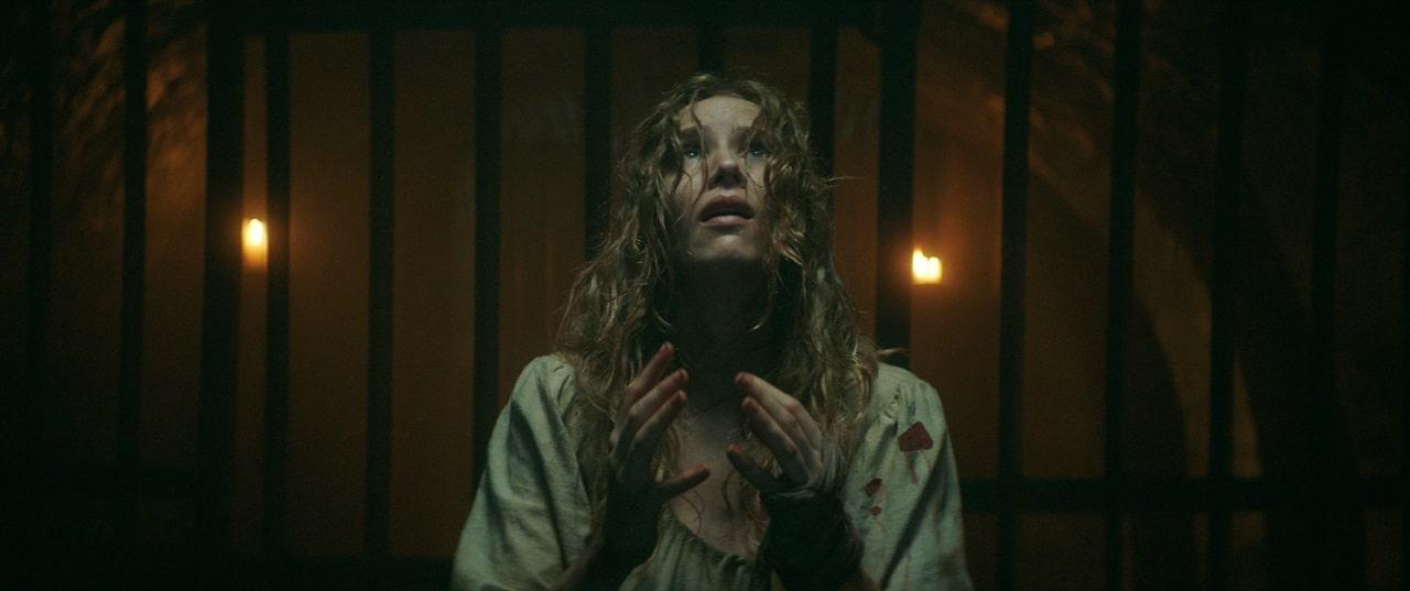 Новый фильм ужасов Нила Маршалла The Reckoning выйдет в начале февраля - постер, отрывок и кадры внутри - 02