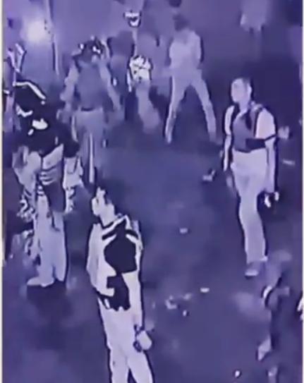 video petugas merusak kendaraan