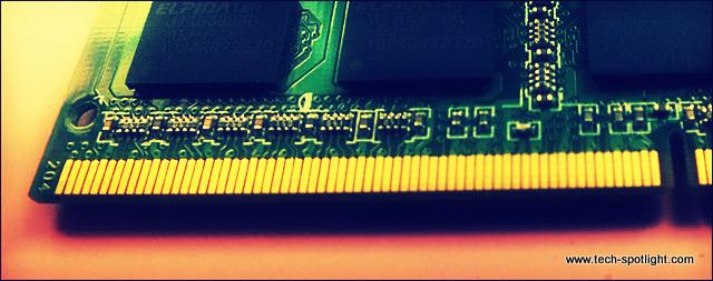 """شرح طريقة تغيير او تحديث ذاكرة الوصول العشوائي """"الرام"""" للكمبيوتر المحمول""""الاب توب """""""