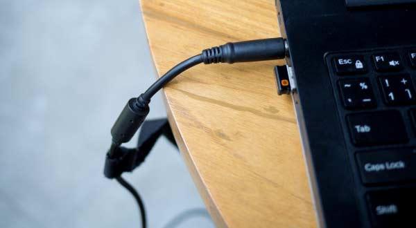 Wow! Inilah 7 Dampak Buruk Memakai Charger Laptop KW