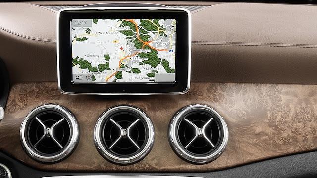 Fiat Argo - três saídas de ar centrais, como no Mercedes GLA