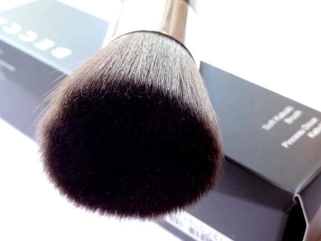 Becca Soft Kabuki Brush