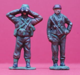 50mm Figures; Airfix 50mm Figures; Airfix Early Plastic Figures; Airfix Paratroopers; Early Airfix Figures; Early Airfix Toy Soldiers; Early Airfix Toys; Early British Toy Soldiers; Early Paratooper Toys; Early Timpo Figures; Early Trojan Figures; Old Airfix Figures; Old Plastic Figures; Old Plastic Toys; Old Toy Soldiers; Old Trojan Soldiers; Parachute Toys; Paratrooper Toys; Small Scale World; smallscaleworld.blogspot.com; Timpo GI's; Timpo Solid GI's; Timpo Toys; Trojan Paratoopers; Trojan Paratrooper Figure; Trojan Toy Soldiers; Vintage Plastic Figures; Vintage Plastic Soldiers; Vintage Toy Figures; Vintage Toy Soldiers; Vintage Toys; Vintage Trojan Soldiers; 6 Airfix Trojan Paratrooper Airborne Soldier Early Plastic Toy 1193 Parachute Battalion Close Up of ex-Timpo ex-Airifx Trojan Figures