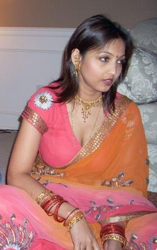 Desi Indian Aunties Big Cleavage Pics  My 24News And -8797