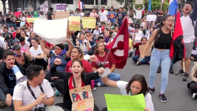 Panameños levantan su voz contra las reformas constitucionales