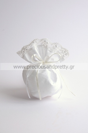 Wedding favor pouch with white lace finishing G16