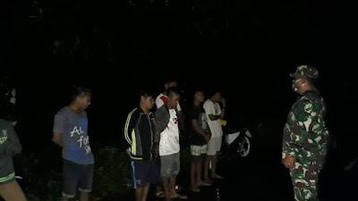 SINERGITAS TNI-POLRI MELAKSANAKAN PATROLI GABUNGAN UNTUK MENEGAKAN DISIPLIN PROTOKOL KESEHATAN